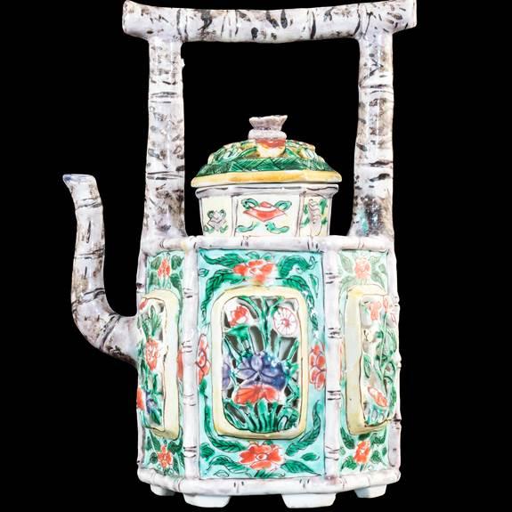 Chinese porcelain famille verte wine ewer