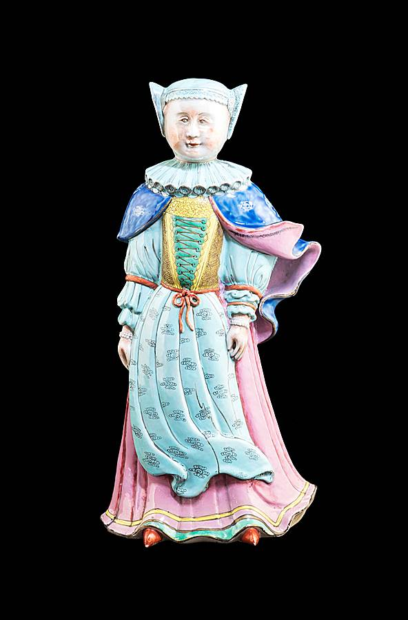 Chinese export porcelain figure of a lady in Jewish Dress