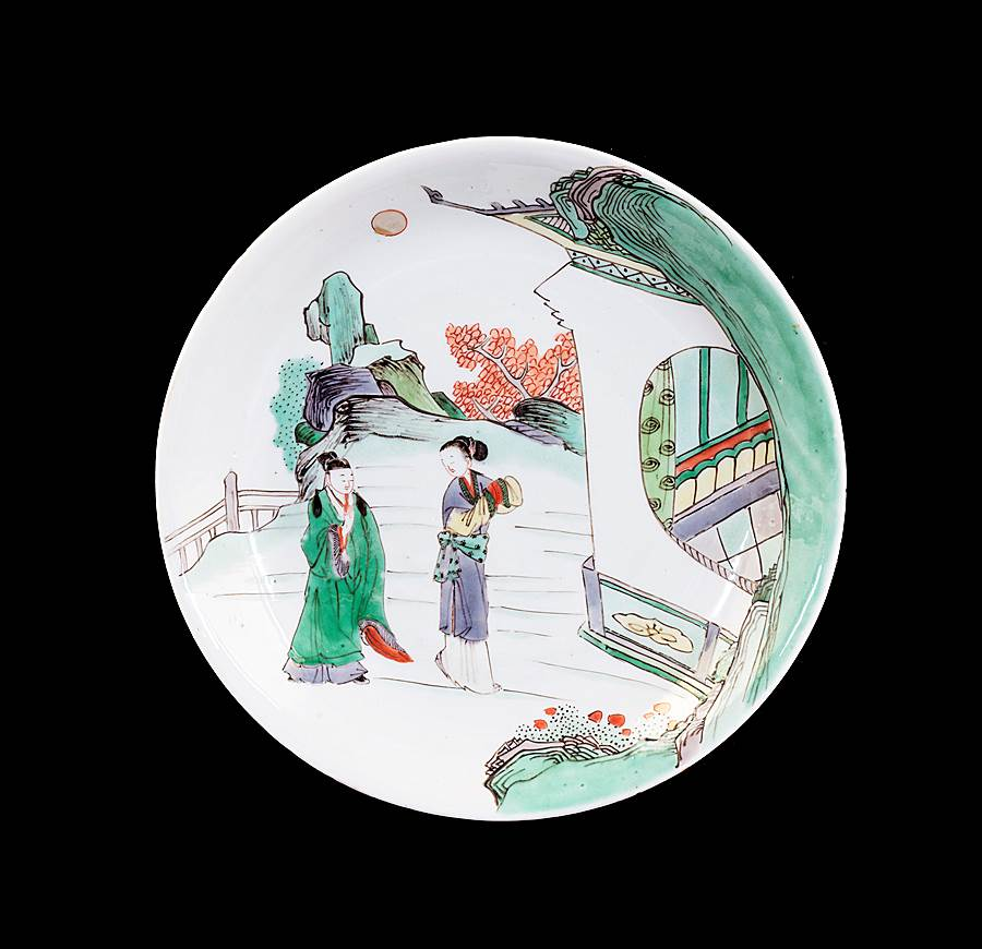 Chinese porcelain famille verte saucer dish