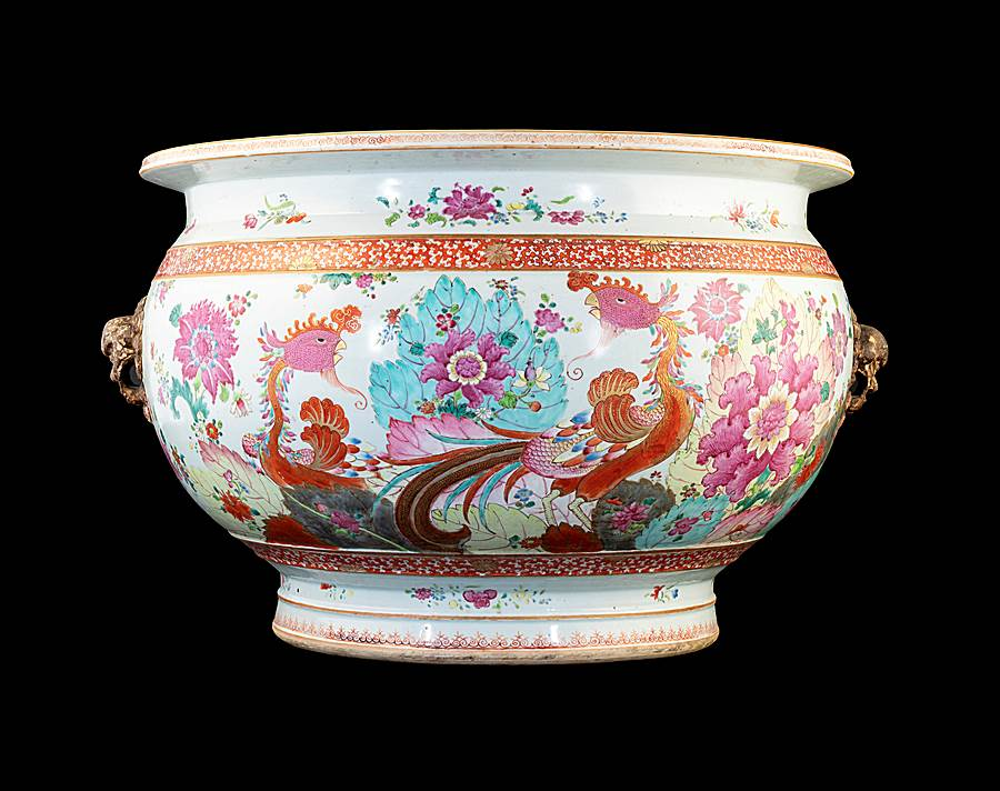 Chinese porcelain famille rose tobacco leaf pattern fishtank