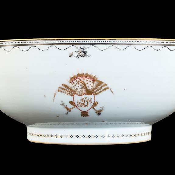 GG: Chinese export armorial porcelain bowl, American Eagle design