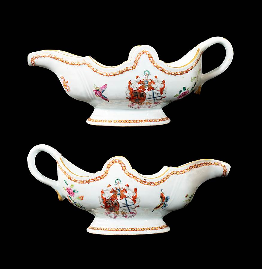 GG: Pair of Chinese armorial porcelain sauceboats with the arms of Ross of Balnagowan