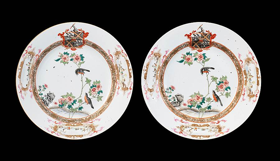 GG: Pair of Chinese armorial dinner plates, arms of Thompson quartering Beilby with Roundell in pretence