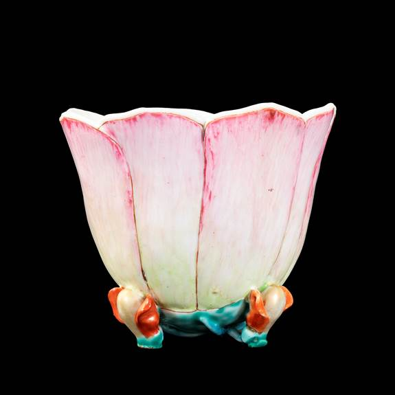 GG: Chinese export porcelain famille rose beaker of lotus form