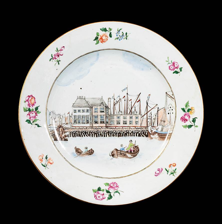 GG: Chinese export porcelain famille rose dinner plate with a view of Amsterdam