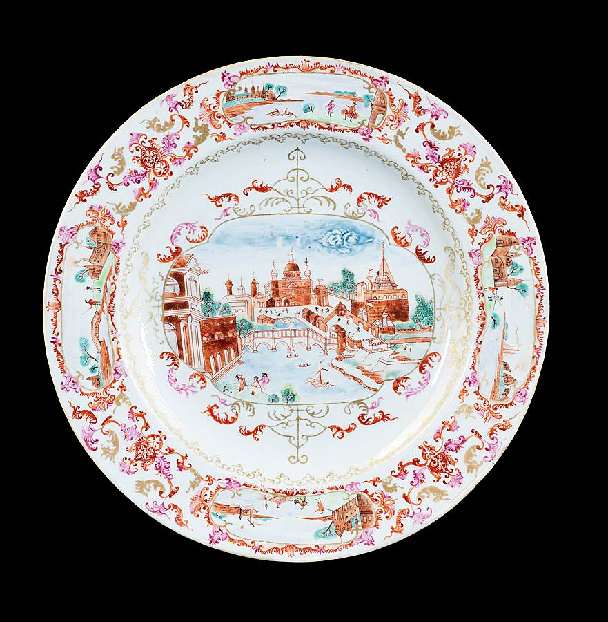 GG: Chinese export porclain famille rose dinner plate with a View of Rome