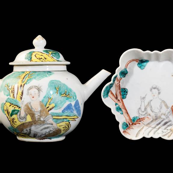 GG: Chinese export porcelain teapot cover and stand with European Subject