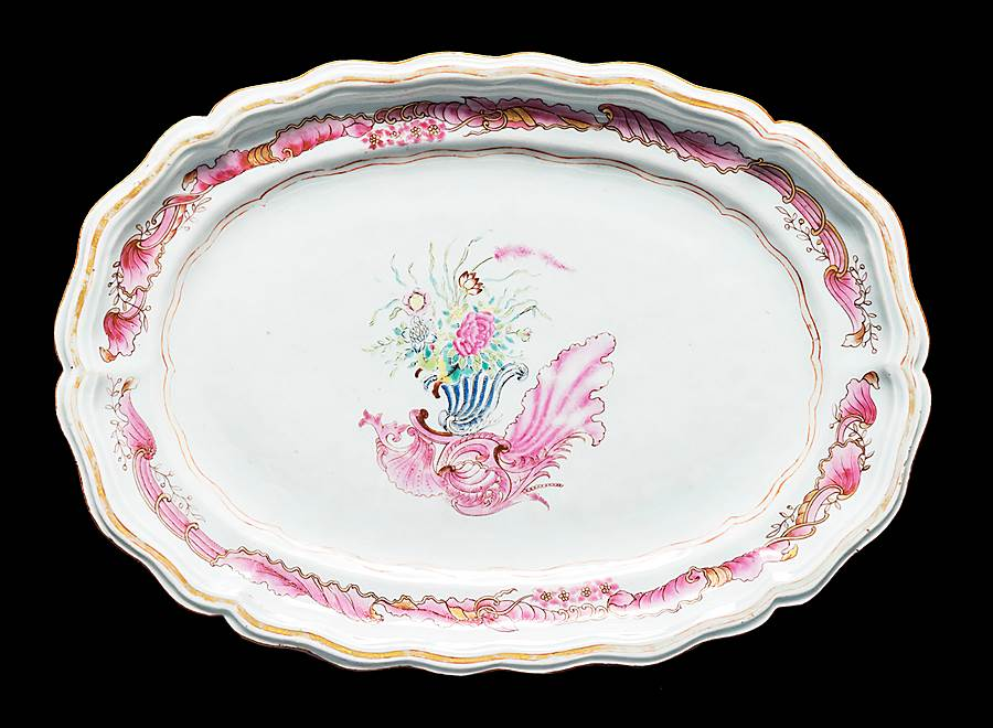 Chinese export porcelain meatdish of silver shape