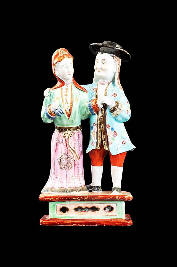 Chinese porcelain figure group
