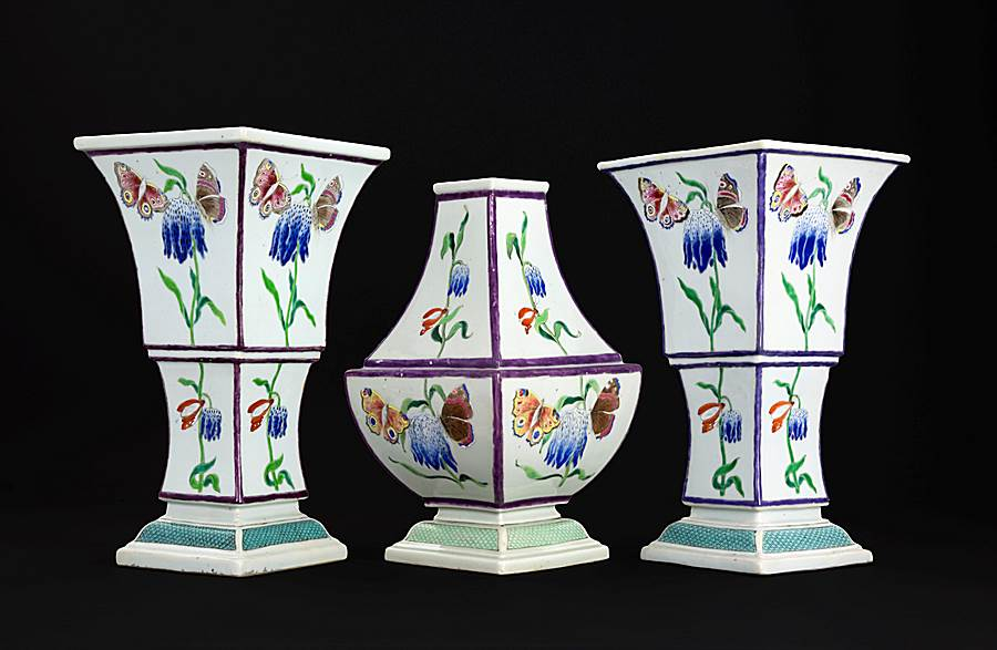 sold:   chinese export porcelain famille rose garniture from the Pronk workshop