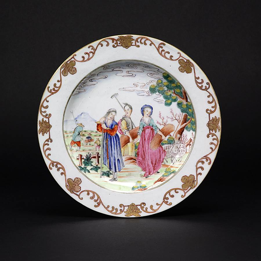 chinese export porcelain european subject famille rose dinner plate