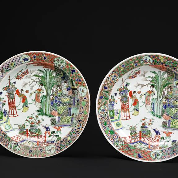 pair of chinese export porcelain famille verte dishes
