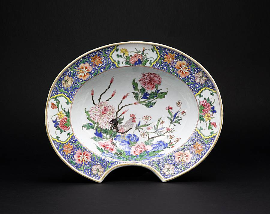 chinese export porcelain famille rose barbers' bowl