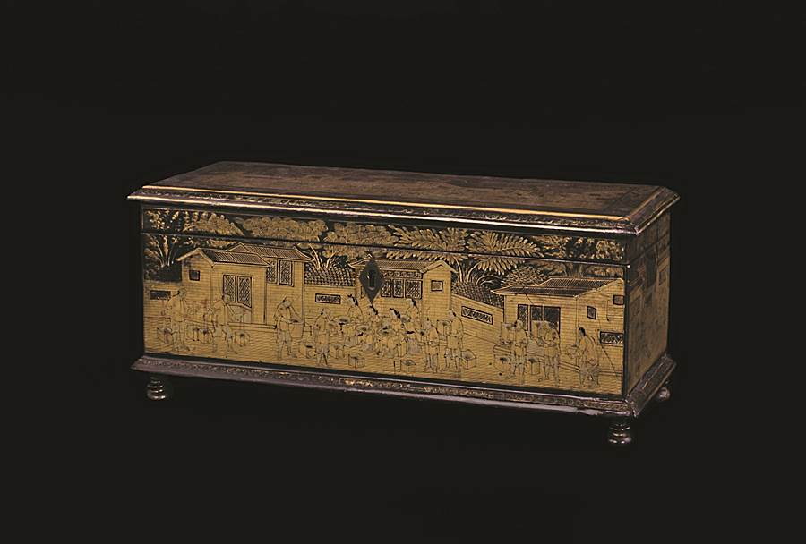 chinese export lacquer box with tea processing scenes