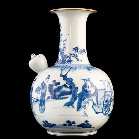 large chinese porcelain blue and white kendi