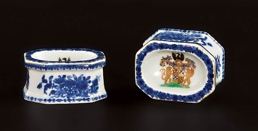 pair of chinese export porcelain armorial salts