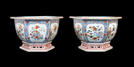 Pair of large Chinese porcelain famille rose jardinières