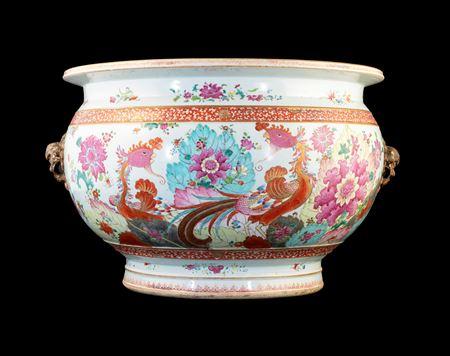 Chinese porcelain famille rose tobacco leaf pattern fishtank