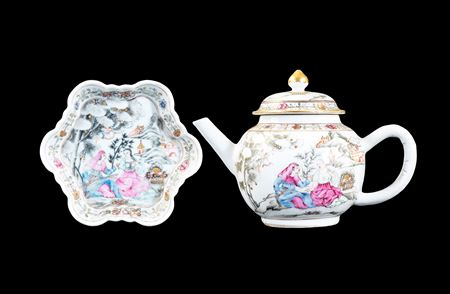 Chinese export porcelain teapot, cover and stand with European subject scene