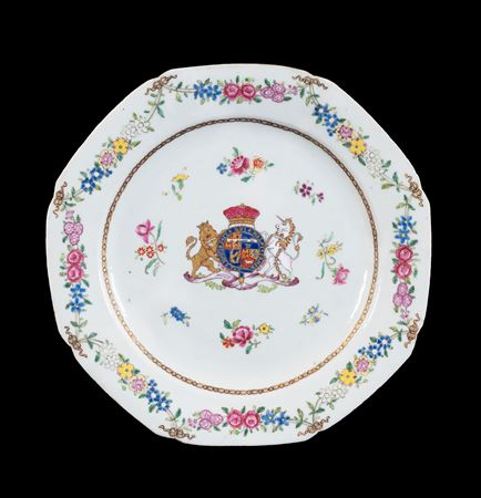 GG: Chinese armorial porcelain dinner plate with the Royal arms of the Duke of Gloucester