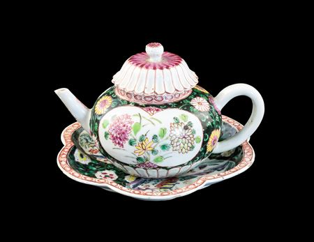 GG: Chinese export porcelain famille rose teapot, cover and stand