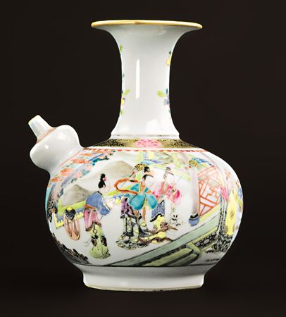 Chinese export porcelain famille rose kendi