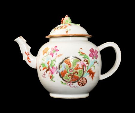GG: Chinese export porcelain famille rose teapot with a pseudo tobacco leaf pattern