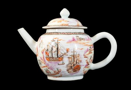 GG: Chinese export porcelain European subject teapot and cover