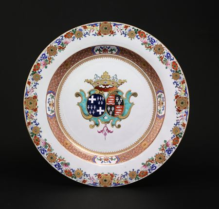 chinese export porcelain armorial charger