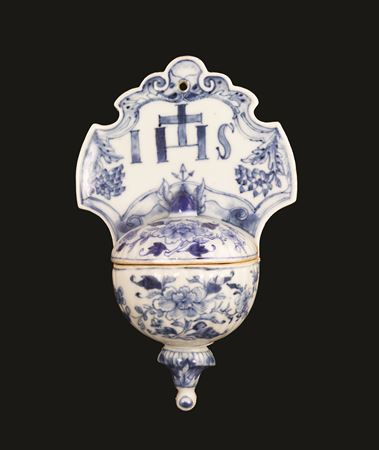 a chinese export porcelain blue and white stoupe or holy water container